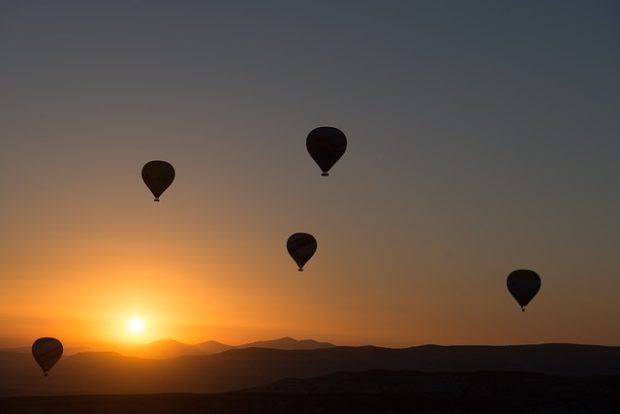 ナスカの地上絵を見るための熱気球