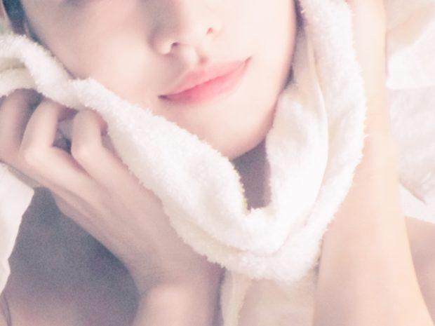 お風呂に入りながら美顔ローラーを使いたい女性